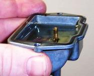 Проверка уровня топлива в поплавковой камере